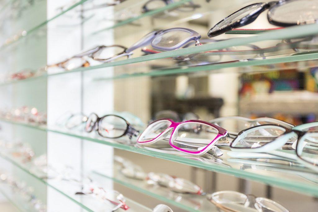Manchester opticians wins gold BID award for customer service